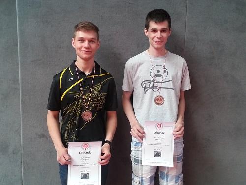 Schließen ihr Jugendzeit mit einer Medaille ab: Malte und Timo (je 3. Platz 1996)