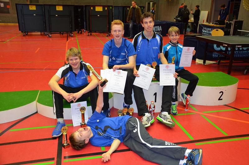 Sieger unter sich - Plätze 1-4 der A-Schüler gegen nach Sasel, Lleyton gewinn den 2. Platz der B-Schüler