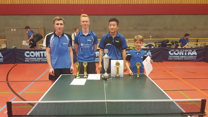 Die 1. Jungen verteidigt erfolgreich den Pokal mit Sebastian Lau, Timo Seifert, Sang-Min Do und Lleyton UJllmann